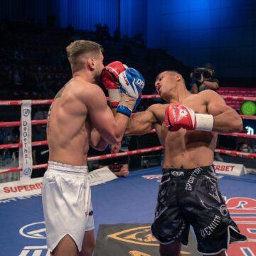 Video   Meciuri explozive la Dynamite Fighting Show 12: Cardoș, victorie în box, Rambo l-a învins pe Ostrovanu