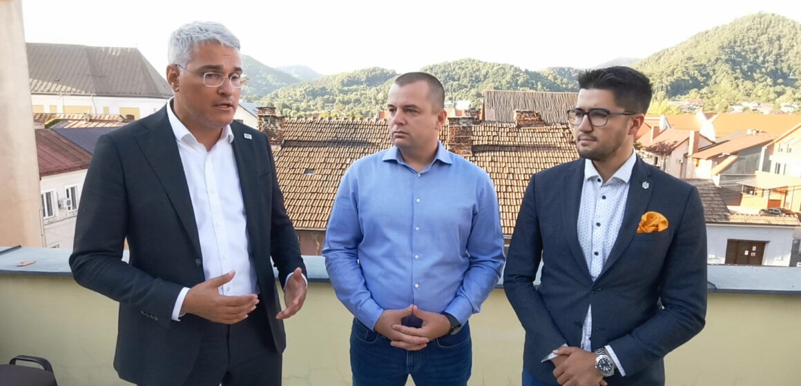 Video   Europarlamentarul USR-PLUS Dragoș Pîslaru a vizitat Pirita la Baia Mare