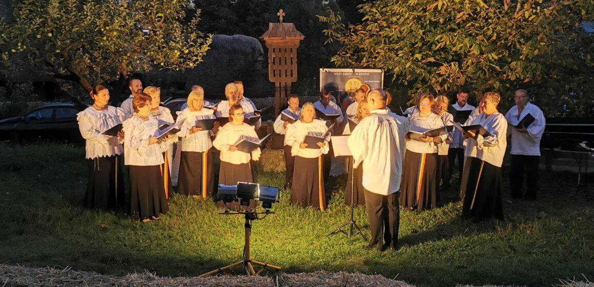 Video   Corala Armonia la Muzeul Satului din Baia Mare