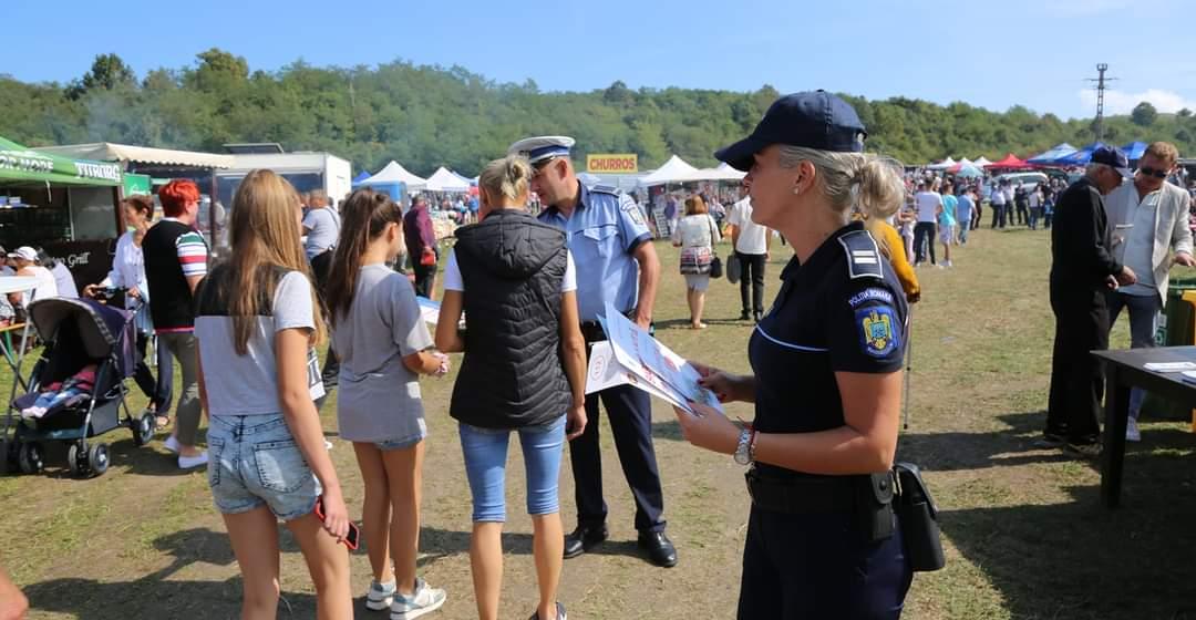 Sfaturi de la polițiști la Târgul Cepelor